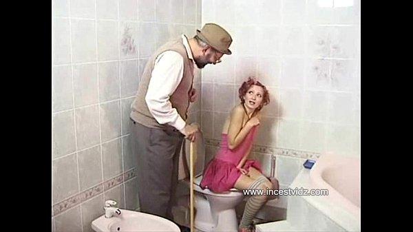 Девушку наказали по очереди ххх