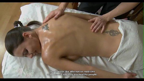 Смотреть массажист ебет клиентку