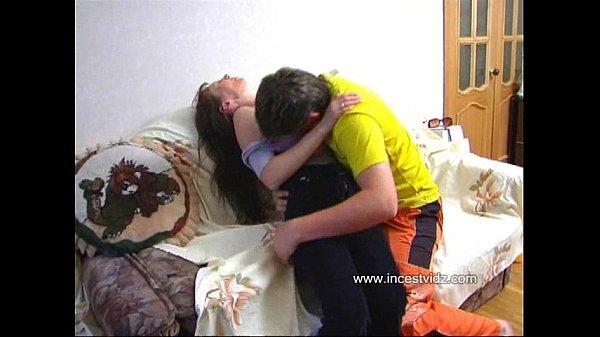 Русское домашняя порнуха пьяная мама захотела сына