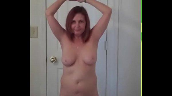 Моя жена сосет мой хуй