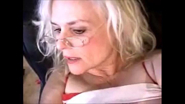 Порно фильмы зрелые с губищами