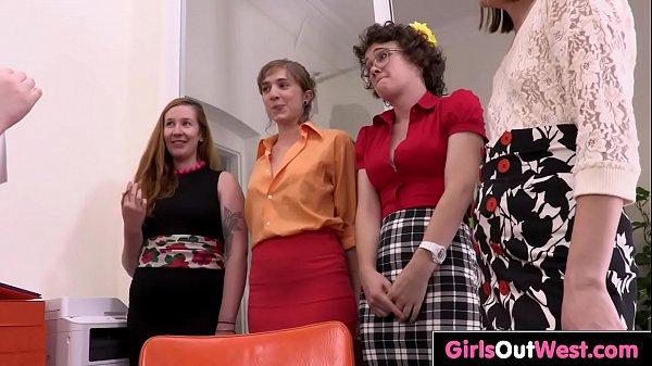 Девушка занялась сексом с пандой видео