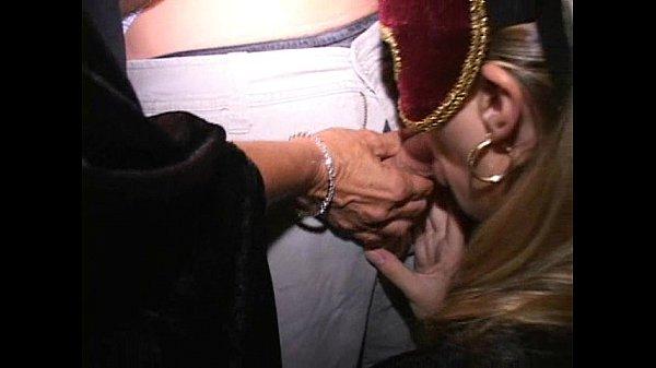 Смотреть жесткий секс трансвеститов
