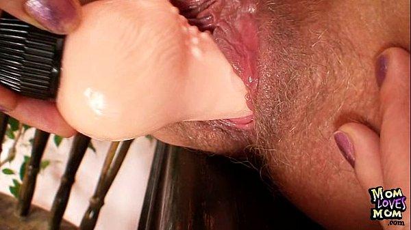 Порно перед камерой мастурбация мам