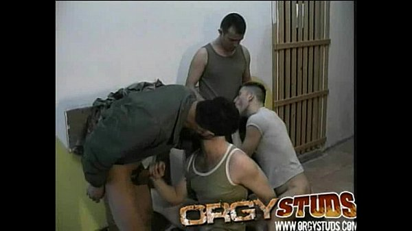 Секс геев в армии онлайн