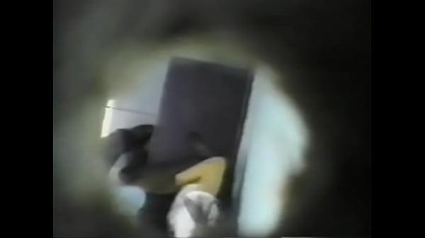 밍키넷 허름한 모텔 천장에 설치된몰카 섹스하는 연인촬영