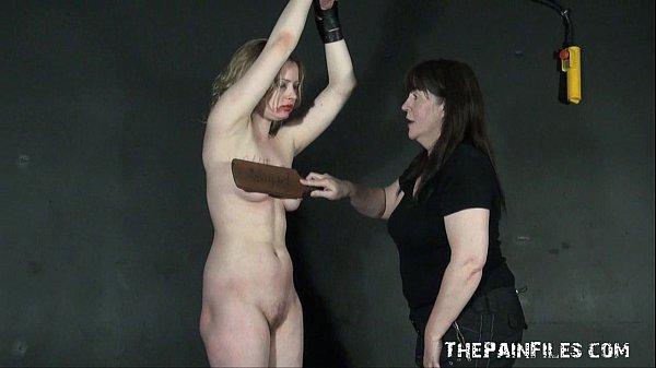 Англичане запад Эмбер наказание порнозвезды