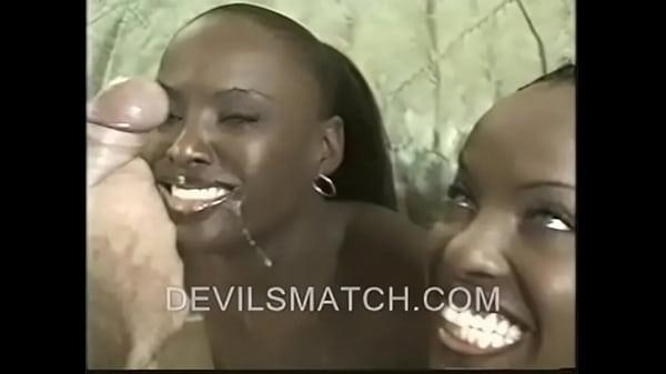 Порно близнецы негритянки