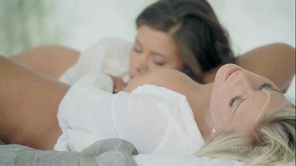 Nude bourret lesbian caprice