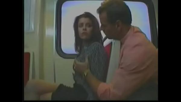 Минет пристает к парню в автобусе видео женщин висячими титьками