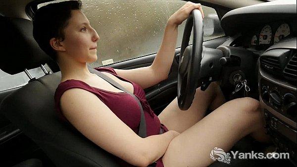 Девчонка мастурбац утром