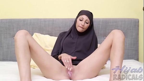 Hijab Radicals – Hannah – squirting – arabianchickscams.ga