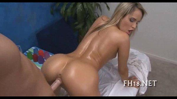 Блондинка в трусиках новый год порно фото