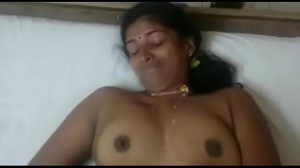 Училка учит мастурбировать девушек