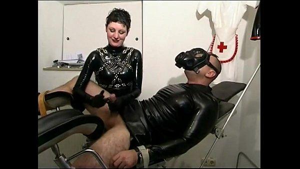 Порно фото девушка с болшой жопой стоит раком