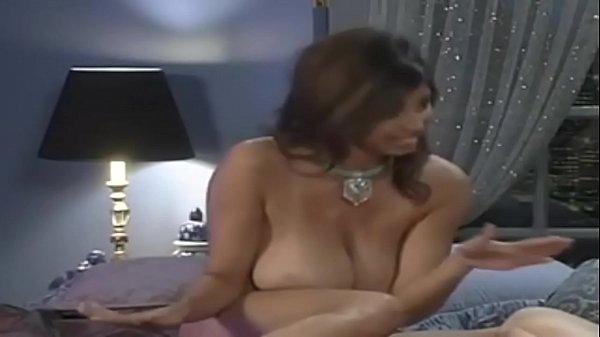 Порнушка лизбиянок с большими сисями