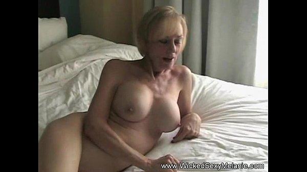 Божественная мама хочет секса порно видео