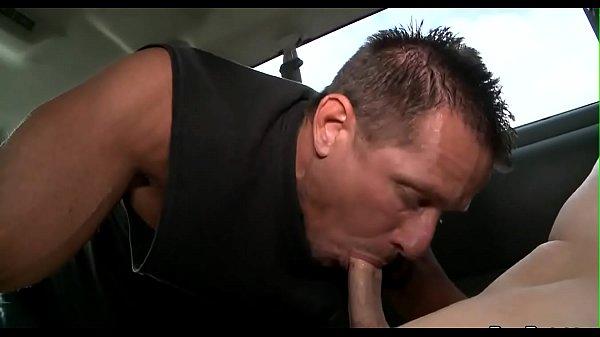 porno-poprosil-zhenu-otsosat-drugu