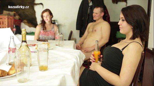 Смотреть онлайн фильмы секс вечеринка чешских студенток