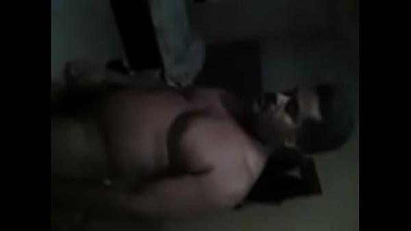 Порно онлайн страстная брюнетка с тату пришла в гости