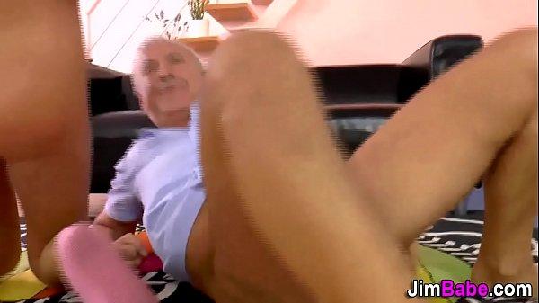 Видео порно мамин бюстгальтер