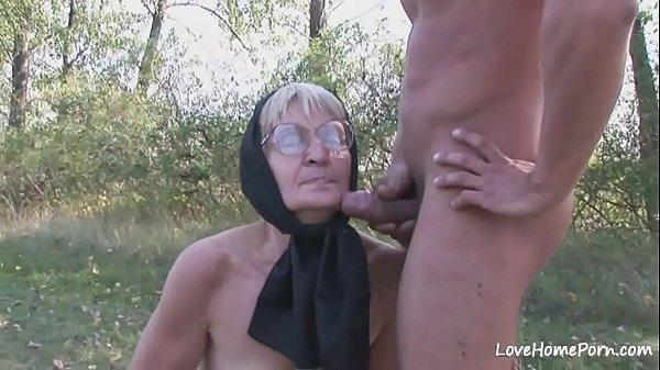 Девка долбица с масажистом