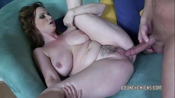 Сексуальные пышные сучки мамочки в обтягивающих платьях