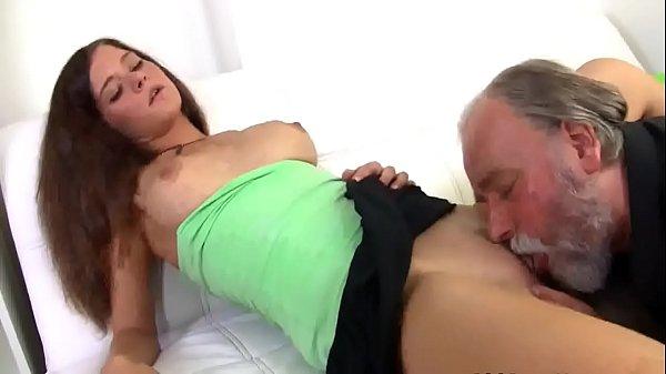 Видео секс два мущины и женщина в автобусе