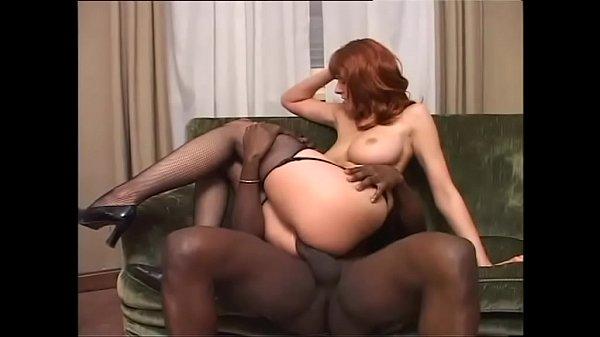 Домашнее порно девушка в красных чулках