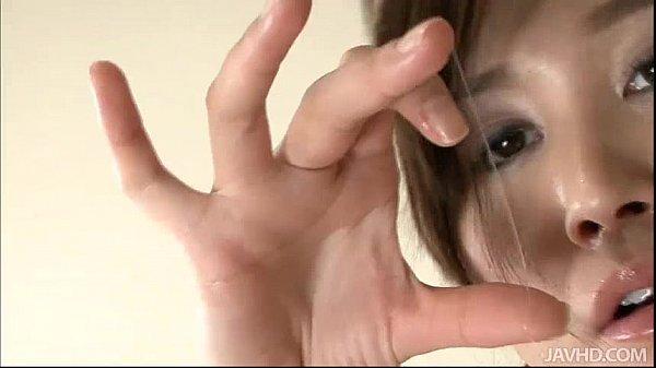 coreana-gozando-muito-melzinho-na-siririca-3