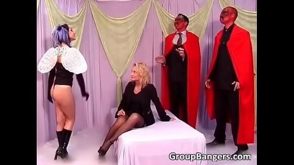 Русские бляди обслуживают богатых порно