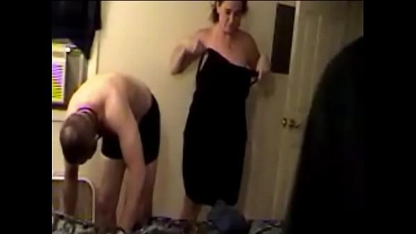 Видео секс домо хозяйка нагнулась