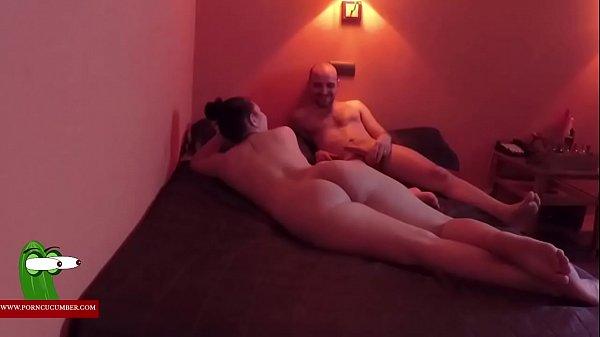 Секс видео женщина трахает и издевается над мужиком