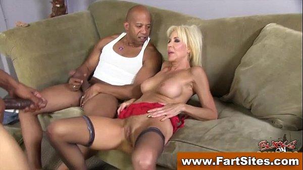 Смотреть порно онлайн стройная блондика анал