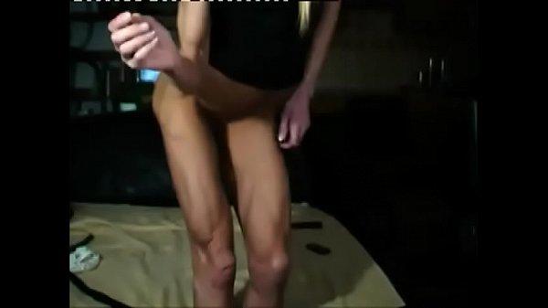 Skinny Athletic Milf On Webcam  thumbnail