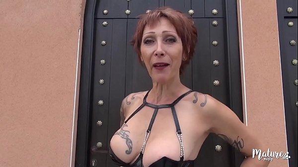 Marina La Cougar Revient Et Veut Trois Belles Bites