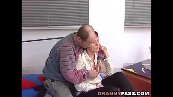 Секс зрелых женщин рыжая немецкая дама