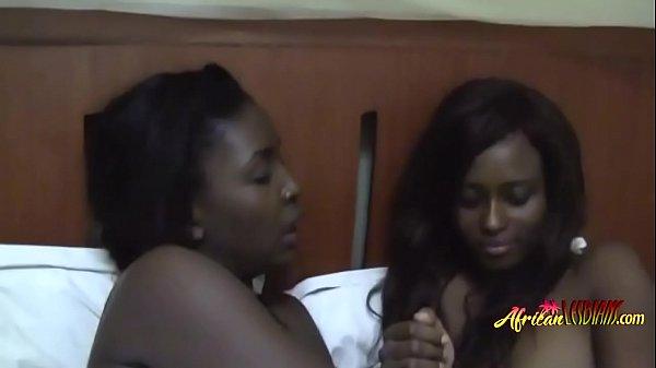 Поорно лезбиянки очинь друг друга хотят