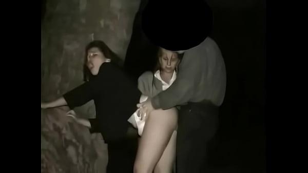 Скрытая русская женщина подмывается