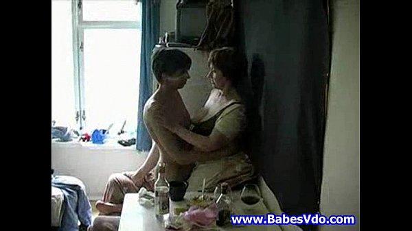 Трах девушки и ее матери порно