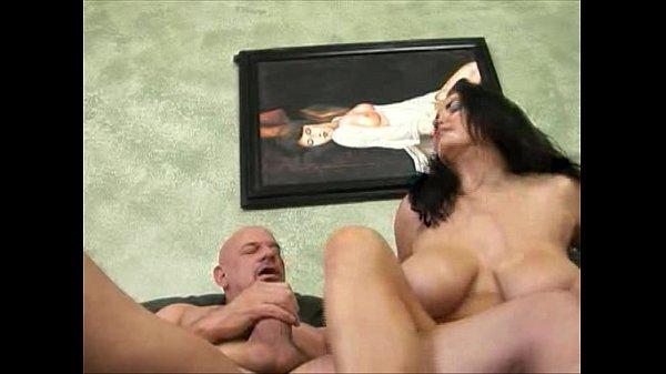 Порновидео страпон анал зрелых дам молодыми парнями