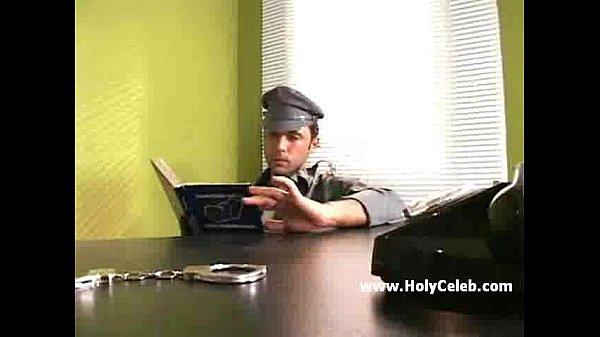 Ебля пидора в тюрьме смотреть онлайн
