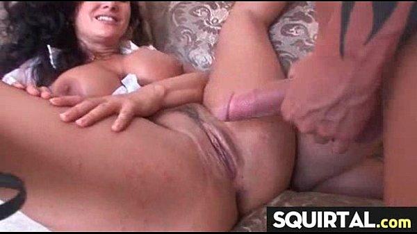 Порно заглатывание длинного хуя глубоко в горло