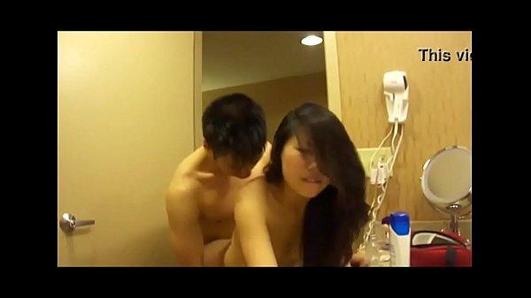 วัยรุ่นจีนคู่เงี่ยนตั้งกล้องเย็ดกันเอากันแบบดูดดื่มสุดๆ  หนุ่มสาวสมัยนี้เย็ดกันก็ต้องโชว์ด้วย