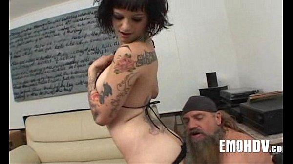 Групповое порно старух в одну дырку вдвоем