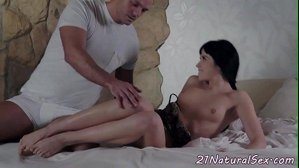 Смотреть анальный секс с прекрасной девушкой