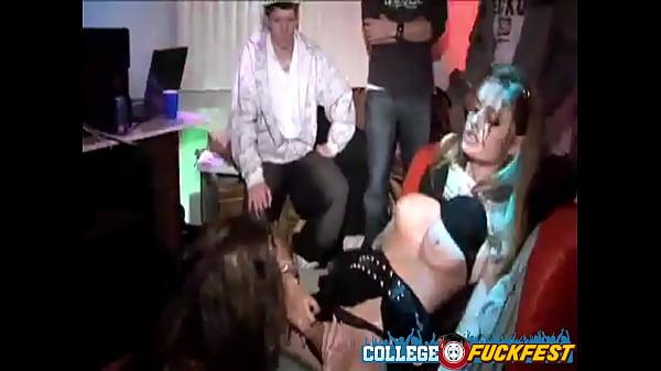 Пьяный разврат на порно вечеринке!