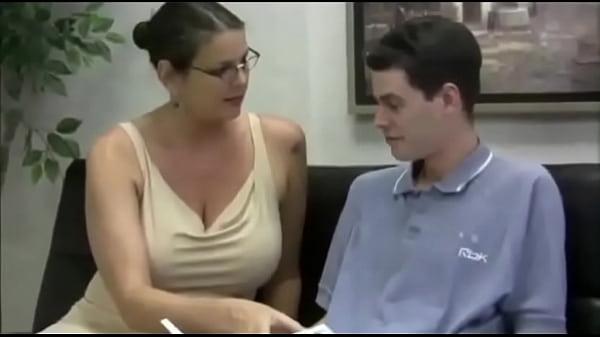 Соблазнение преподавательницы видео