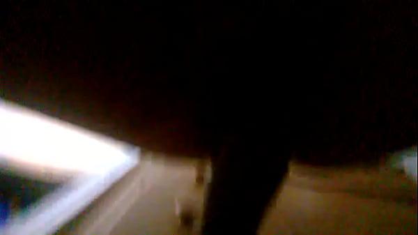Телки трахают себя бутылками смотреть видео