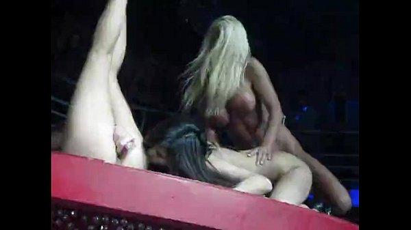 Держит мужчину смотреть порно с участием кати самбука задрал